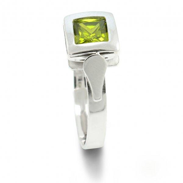 Prsteň z bieleho zlata 5 mm x 5 mm zelený zirkón