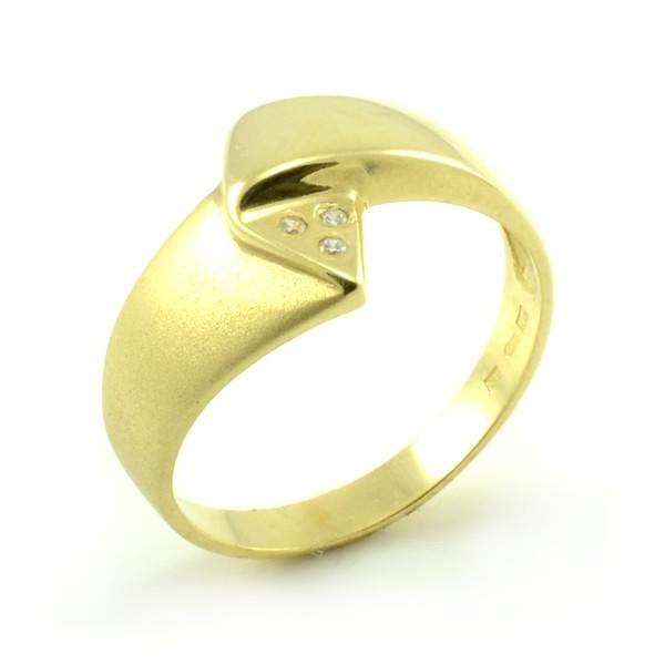 Prsteň zo žltého zlata-tri zirkóny