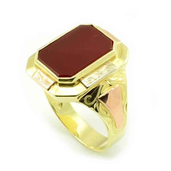 Zlatý pánsky pečatný prsteň s červeným onyxom